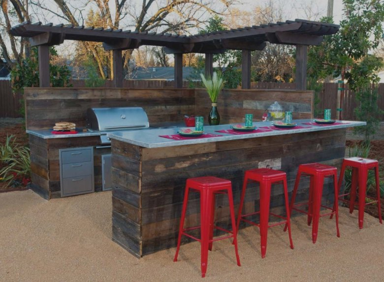 Outdoor Bar with Stone Barbeque Grills