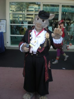 Outside_Comic-Con-2009