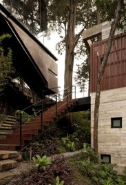 Amazing-Exterior-Home-Concept-at-Modern-House-Design-that-Interact-Directly-with-Trees-Corallo-House-in-Guatemala