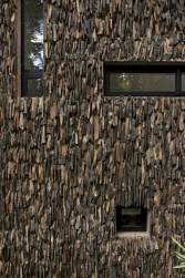 Stone-Wall-Innovation-at-Modern-House-Design-that-Interact-Directly-with-Trees-Corallo-House-in-Guatemala