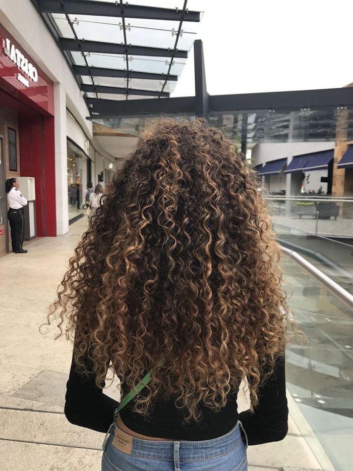 blonde highlights curly hair honey