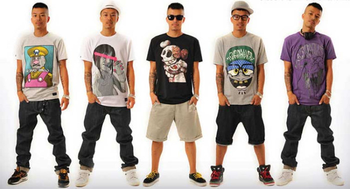 hip hop and streetwear, 90s party outfits for guys, baggy jeans and capris, high top retro sneakers, t-shirts with colorful prints