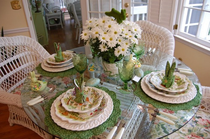 colourful plate settings, easter home decor, large bouquet of daisies, green bunny napkins