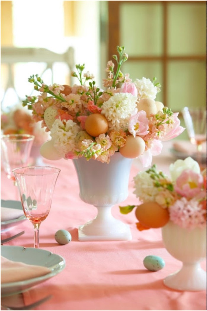 bouquet of flowers and eggs, easter decorating ideas table setting, blue plate settings