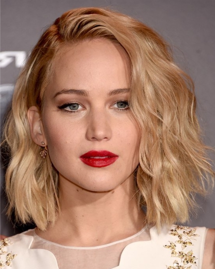 blonde hair, red lipstick, jennifer lawrence, white dress, hairstyles for older women