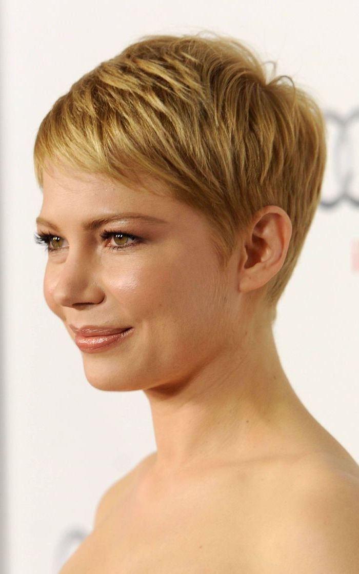 michelle williams, blonde hair, pixie cut, short to medium hairstyles