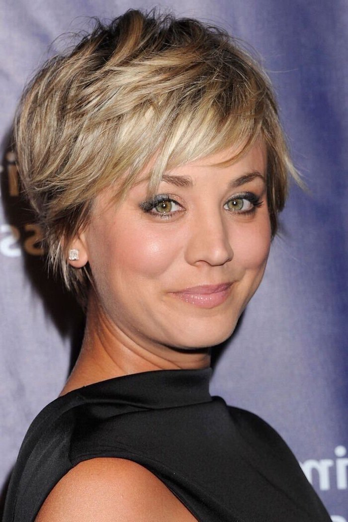 kaley cuoco, blonde hair, cute short haircuts for girls, black dress