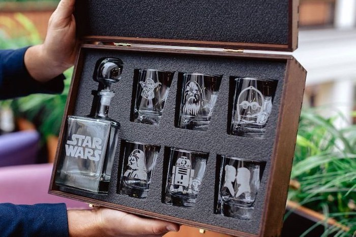 star wars, whiskey set, glass pitcher, character glasses, funny housewarming gifts, wooden box