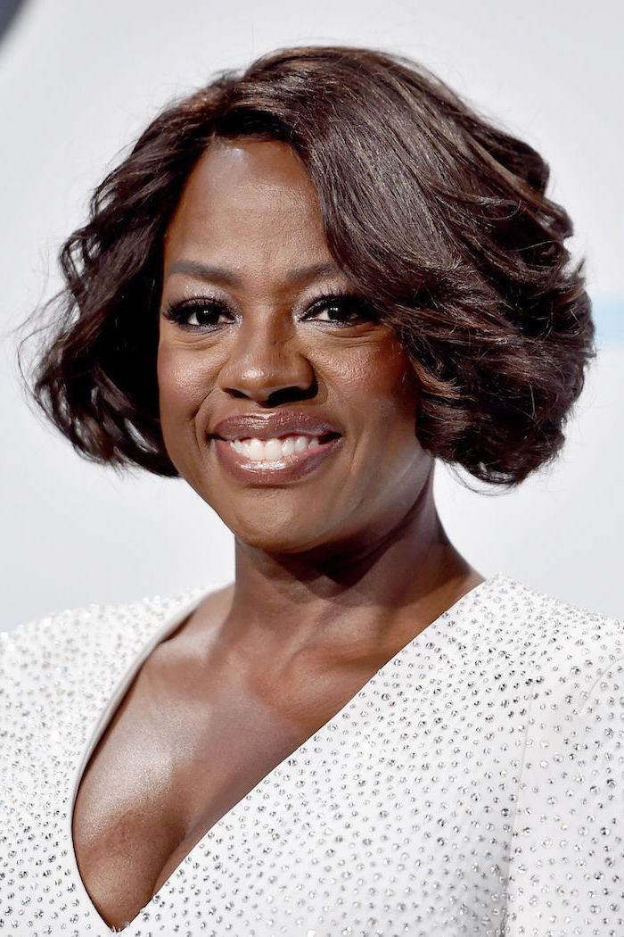 white dress, viola davis, brown hair, short length hairstyles, white background