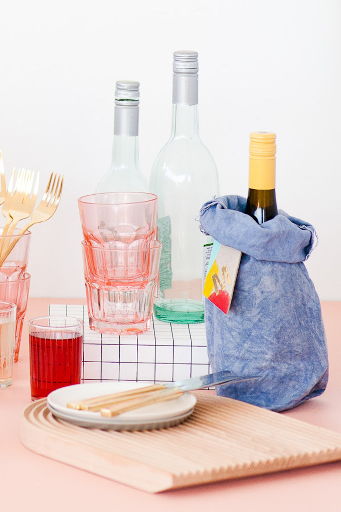wine bottles, colourful glasses, canvas wine bag, housewarming gifts, step by step, diy tutorial