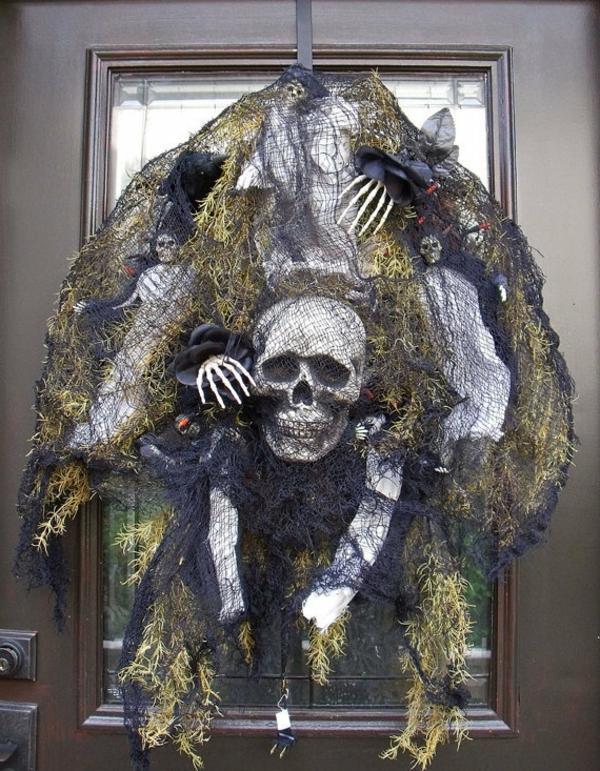 La Dcoration De Porte Pour Les Ftes De Nol Et Halloween
