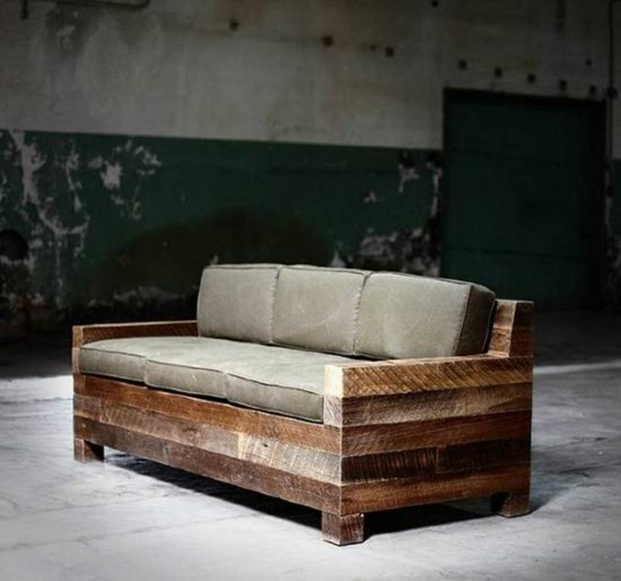 Comment cr er des meubles avec des palettes en bois for Canape en palettes bois