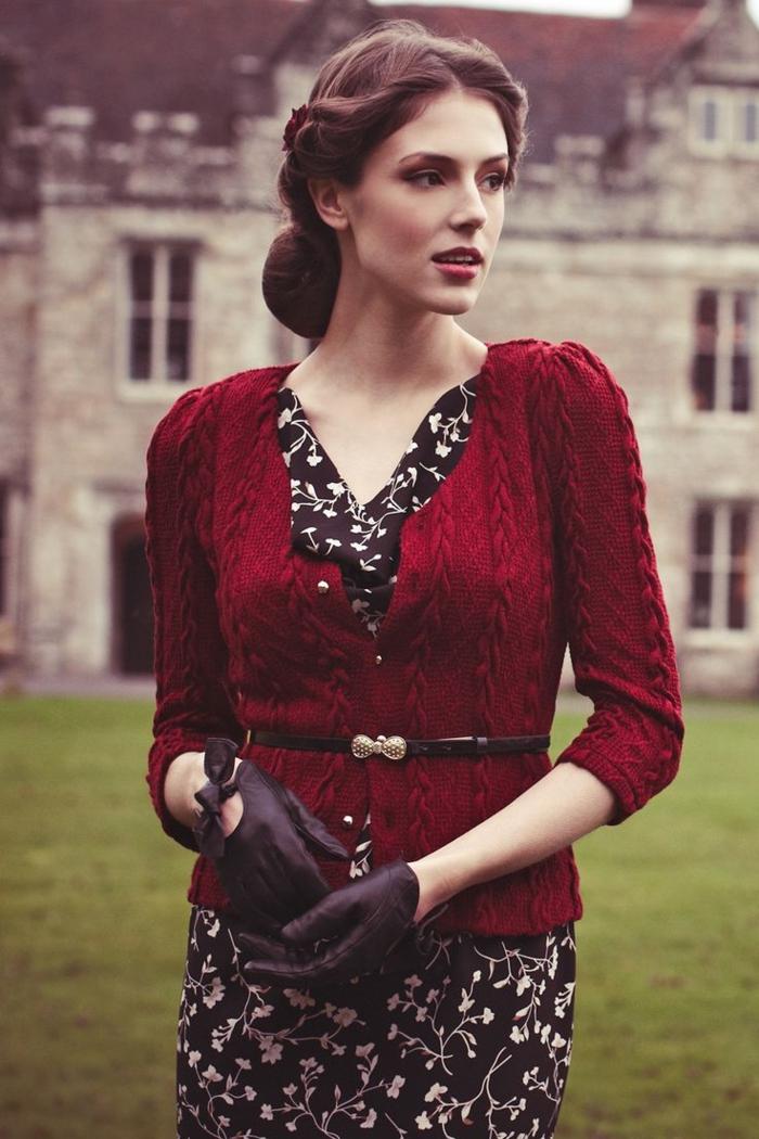la-tenue-femme-chic-habillement-rétro-personnalisé-accoutrement-vintage