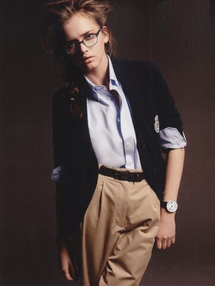 tenues-chics-pour-femmes-rondes-tenue-de-jour-femme-charmante-lunettes-ray-ban-geek-chic