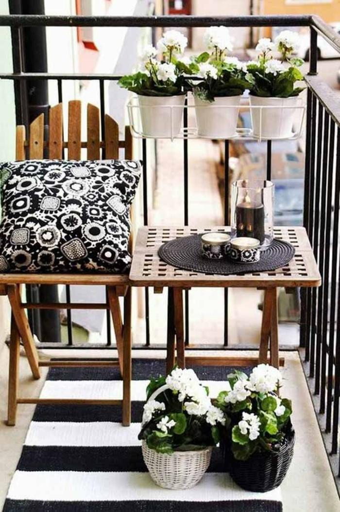 comment-aménager-son-balcon-voir-meubles-balcon-beauté-vue-magnifique-noir-et-blanc