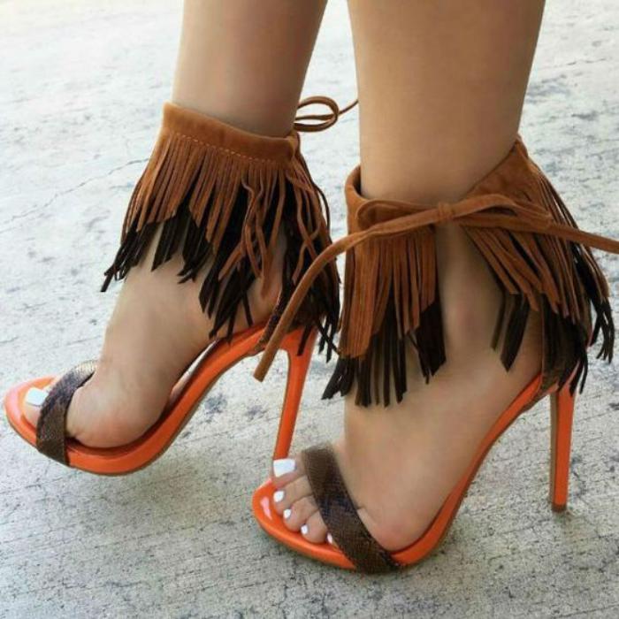 Les Chaussures Franges Une Tendance Charmante Qui