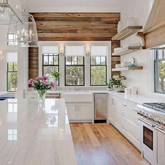 Ambiance bord de mer garantie ! La cuisine blanche et bois en 102 photos inspirantes ...