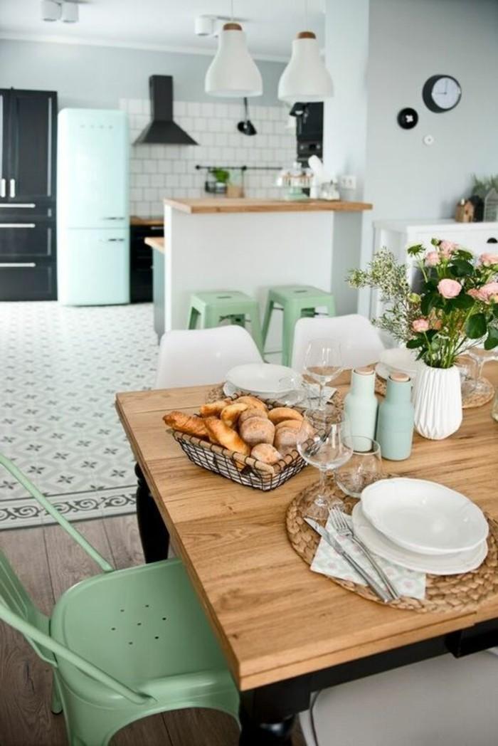carrelage ancien table design en bois et chaise comment decorer avec