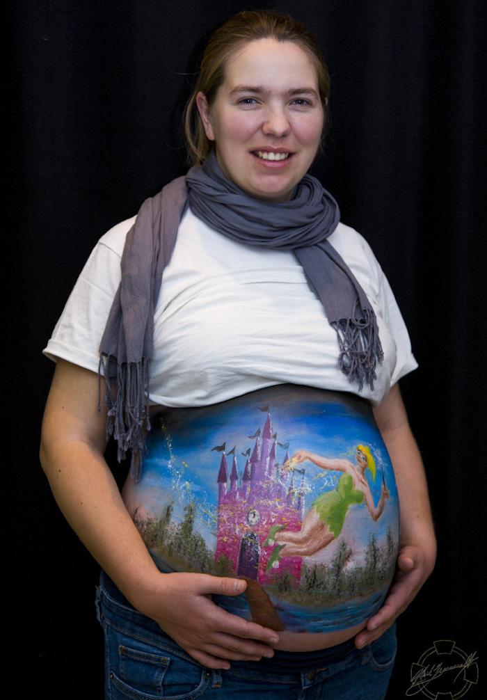 1001 Ides Body Painting Femme Enceinte Une Toile