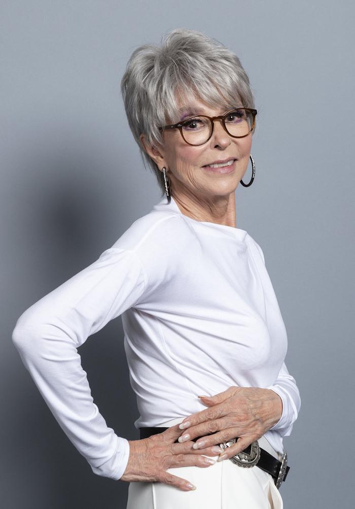 bannissement mount bank partir coupe de cheveux court femme 80 ans avec lunettes