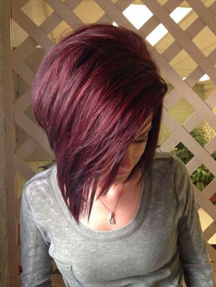 Dunkelrote Haare Wirken Besonders Charmant