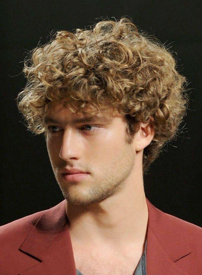 Eine alte tradition neu erweckt. 79 beeindruckende Herrenfrisuren für lockiges Haar