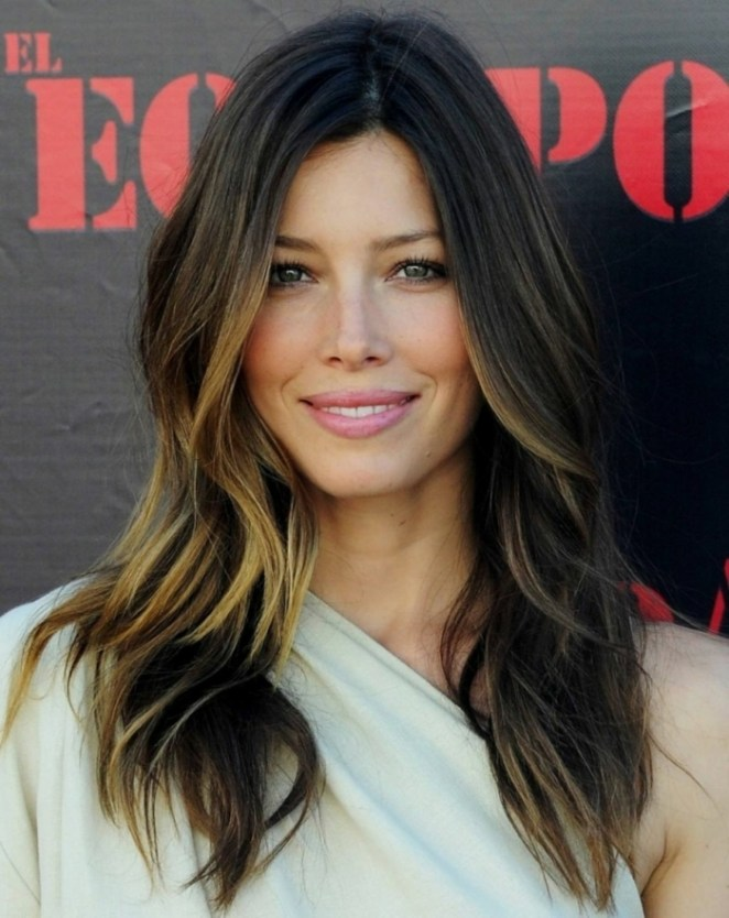 brown hair with yellow highlights, white dress, do hairstyles for long hair yourself
