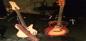 アコギとエレキ、ギターはどちらから始めるのがオススメか?