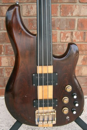 82 Ibanez Musician MC940, my first fretless bass. (1984-1986)