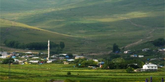 Ardahan'da Covid-19 tedbirleri kapsamında bir köy karantinaya alındı