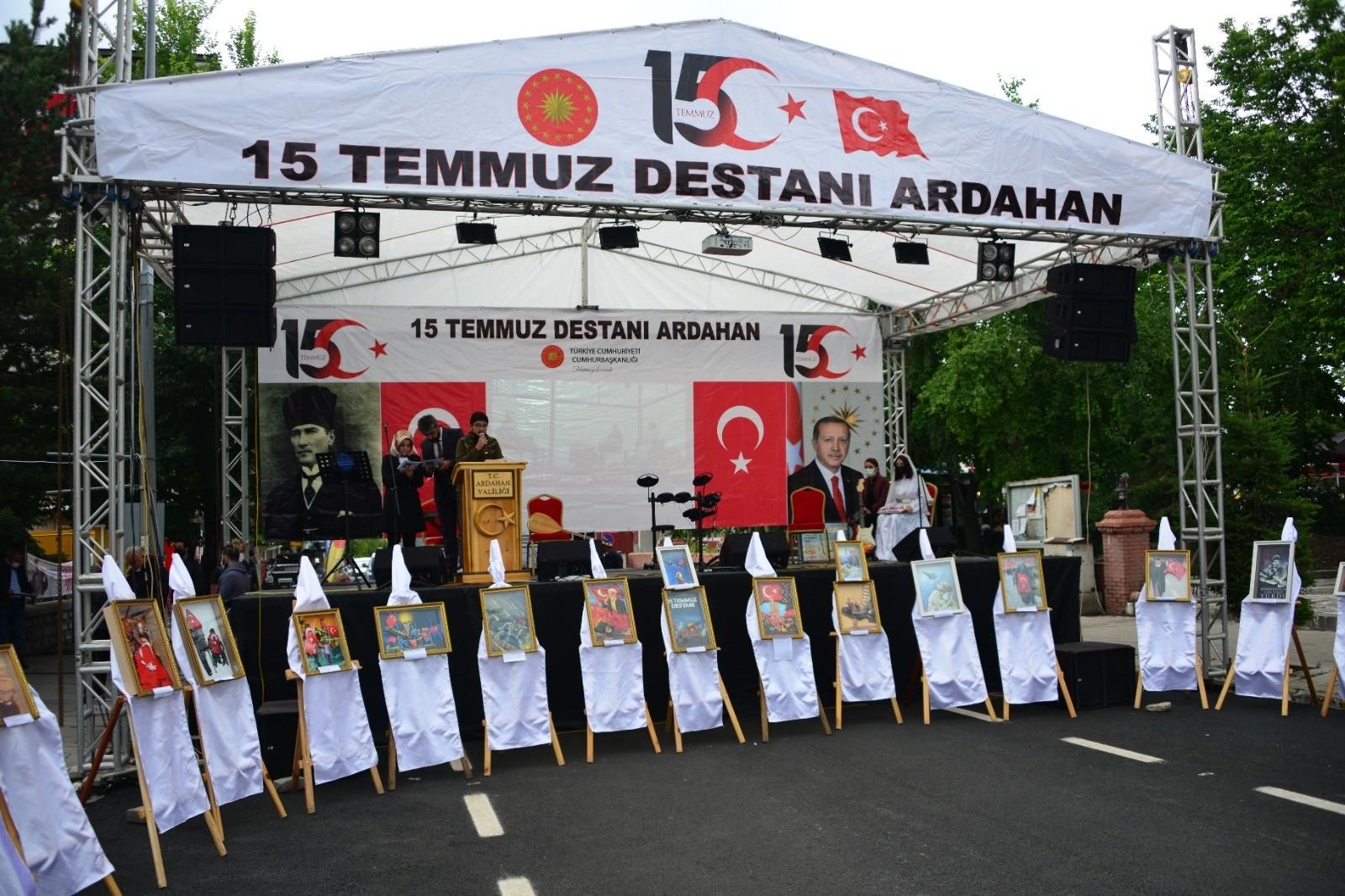Ardahan'da 3 boyutlu 15 Temmuz resim sergisi