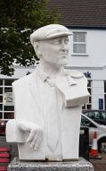 Ardara_Sculpture_of_John_Doherty_by_Redmond_Herrity_2014_09_05