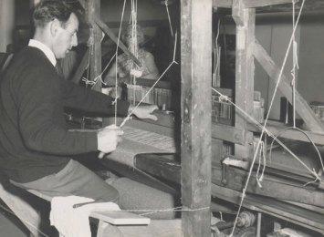 John-Molloy-Handweaving-in-Maryland-1967
