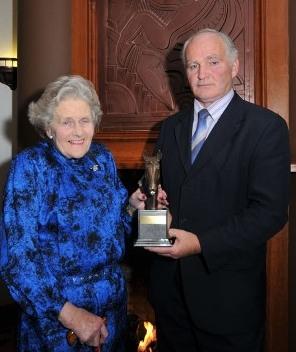 Lady Anne Hemphill receives Award from Tom MacLochlainn