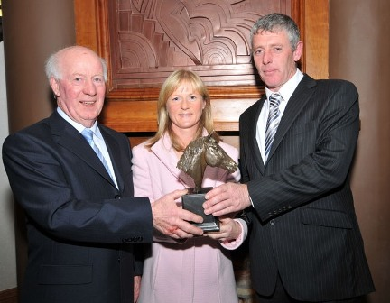 Ml and Mary Mitchellwith Gearoid Curran