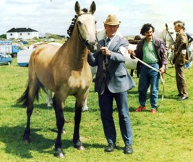 April Violet wins her class for James de Courcey in 1987 at Ellistron Lodge