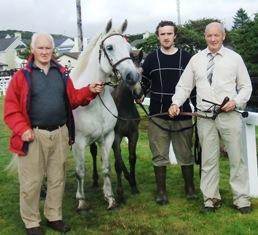 Foreglass Lass & foal with Bobby Bolger, Kevin Bolger & Noel Brett