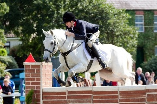 Bobby Sparrow Blue clears the Puissance wall to share 1st prize