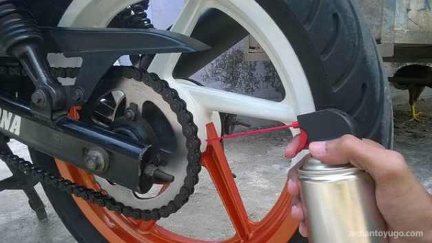 pelumas rantai motor