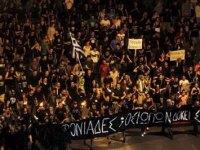 Κύπρος: 4η μέρα έξω από το προεδρικό (βίντεο)