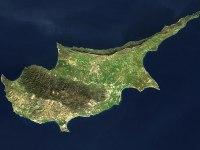 Κύπρος: κουσούρια και ξένα λάβαρα