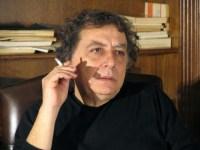 Συζήτηση-βίντεο: Ο Γιώργος Καραμπελιάς συνομιλεί με τον Διονύση Χαριτόπουλο (27-4-15)