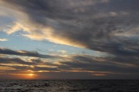 sunset tengah laut menuju karimunjawa