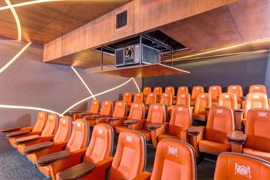 Christie equipa con motor de proyección y audio la nueva sala de proyección privada del estudio de 20th Century Fox en México