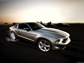 Ford-Mustang-GT-2011-new-auto-car