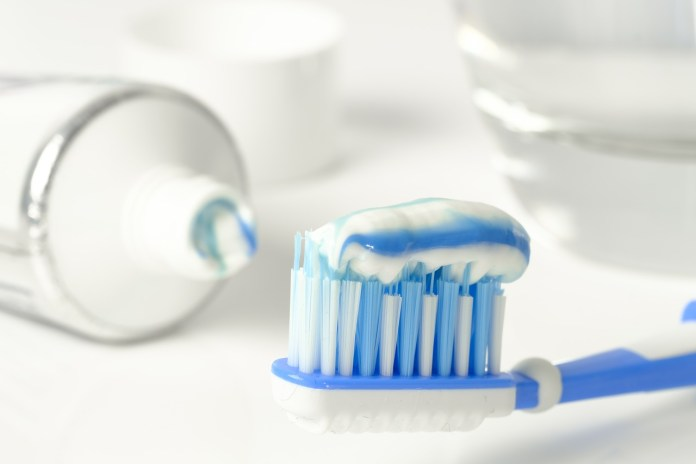 spinonews Antibacterial substance in toothpaste