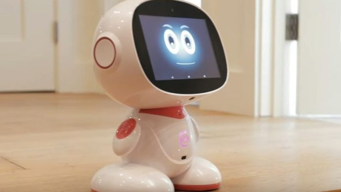 Meet Misa, The Tiny Personal Assistant Robot