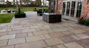 Patios cleaning and maintenance