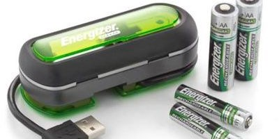 Incarcator pe USB virusat