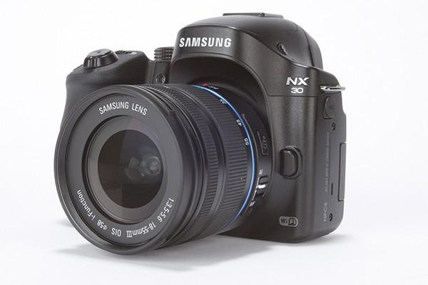 Samsung-NX30-product-shot-011
